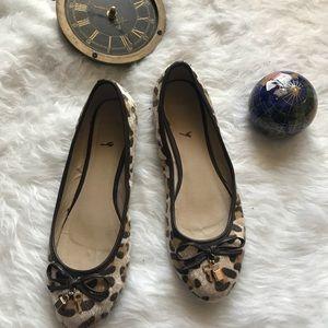 Wanted giraffe calf skin round toe flats shoes